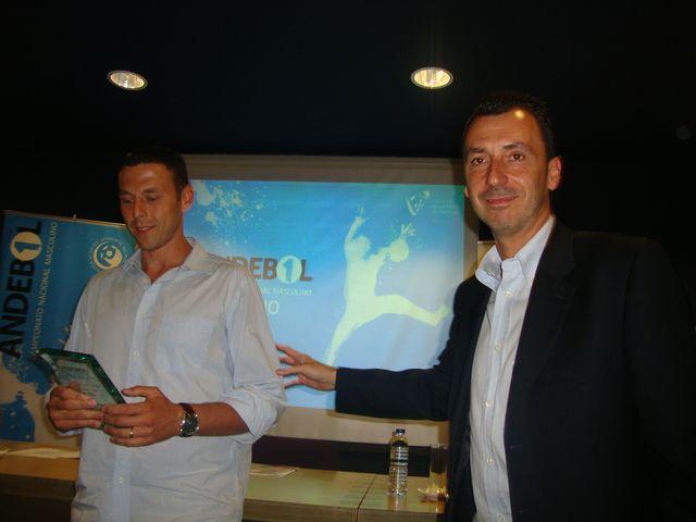 Hugo Laurentino - Melhor Guarda-Redes 2011/12 - prémio entregue por Miguel Fernandes, director executivo da FAP