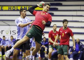 FRancisco Leitão no ataque - Jogo Portugal-Israel - Jun. A - 06.01.2015