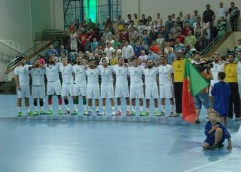 Seleção nacional no jogo frente à Rússia