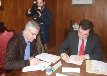 Assinatura protocolo FAP-Câmara de Tábua