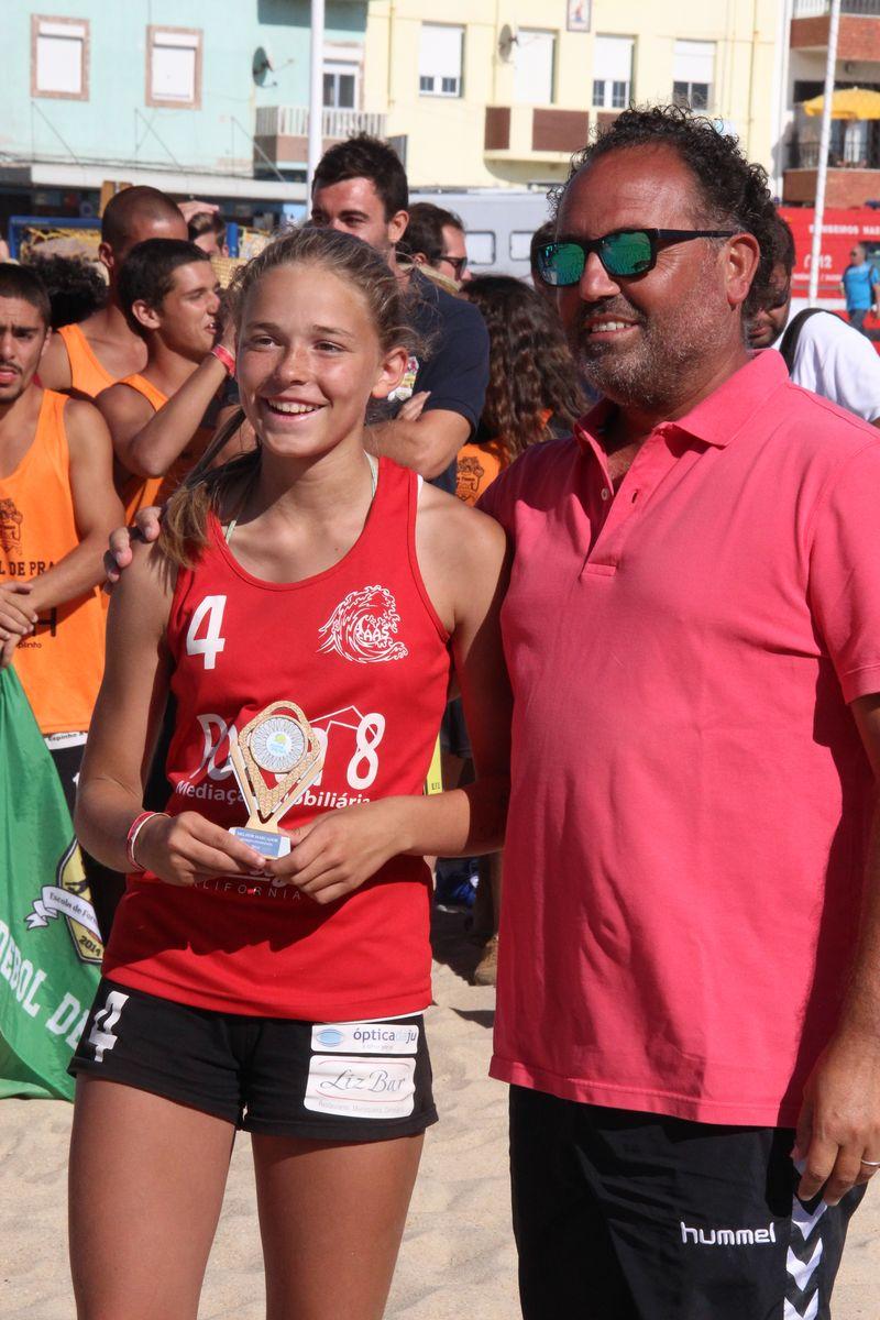 Melhor Jogadora Rookies Femininos - Joana Oliveira (ZÁAS) - Fase Final Circuito Nacional de Andebol de Praia 2016 - foto: Luís Neves
