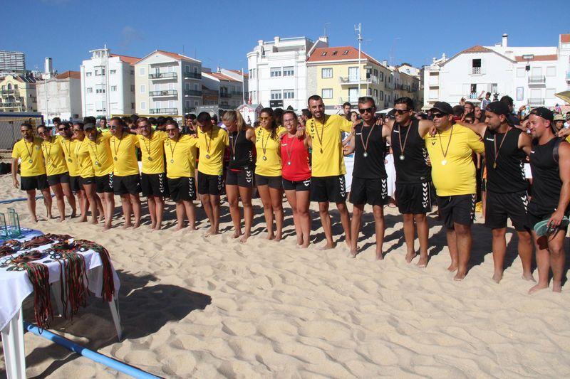 Entrega de prémios aos árbitros - Fase Final Circuito Nacional de Andebol de Praia 2016 - foto: Luís Neves