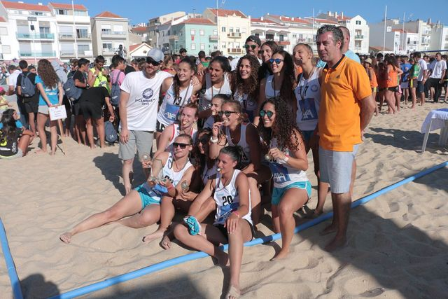 2Much4You - campeões nacionais de Andebol de Praia 2016 - Masters Femininos - foto: Márcio Menino