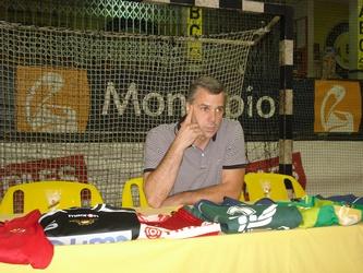 Carlos Ferreira anuncia fim da carreira