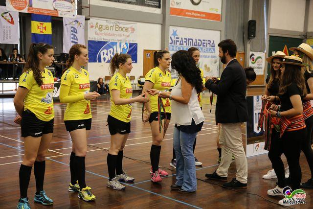 CS Madeira : Colégio de Gaia/ Toyota - final Taça de Portugal Multicare Seniores Femininos 2015/2016 - entrega das medalhas ao Colégio de Gaia/Toyota