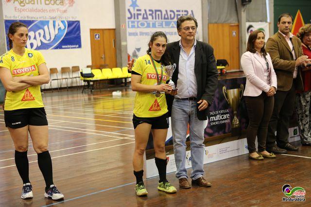 CS Madeira : Colégio de Gaia/ Toyota - final Taça de Portugal Multicare Seniores Femininos 2015/2016 - entrega da Taça ao Colégio de Gaia/Toyota