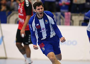 Fábio Magalhães - FC Porto Sofarma x Liberbank Cuenca - EHF Cup - Foto: PhotoReport.In