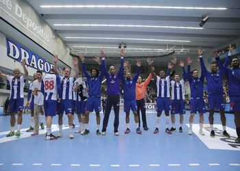 FC Porto Sofarma : Saint-Raphael - 1/4 Final EHF Cup - 2ª mão - foto: PhotoReport.In