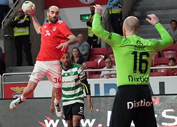 Fábio Vidrago - SL Benfica : Sporting CP - Campeonato Andebol 1 - Foto: PhotoReport.In