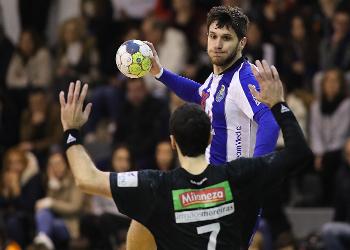 Fábio Magalhães - Águas Santas Milaneza : FC Porto Sofarma - Campeonato Andebol 1 - foto: PhotoReport.In