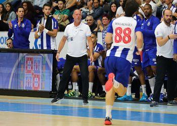 Magnus Andersson - FC Porto Sofarma - EHF Cup - foto: PhotoReport.In
